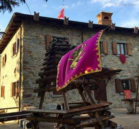 Castello di Gusciola (esterno)